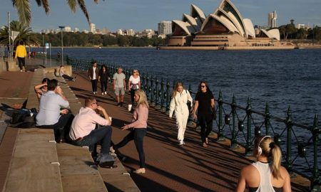 Sydney isolated from rest of Australia as COVID outbreak grows