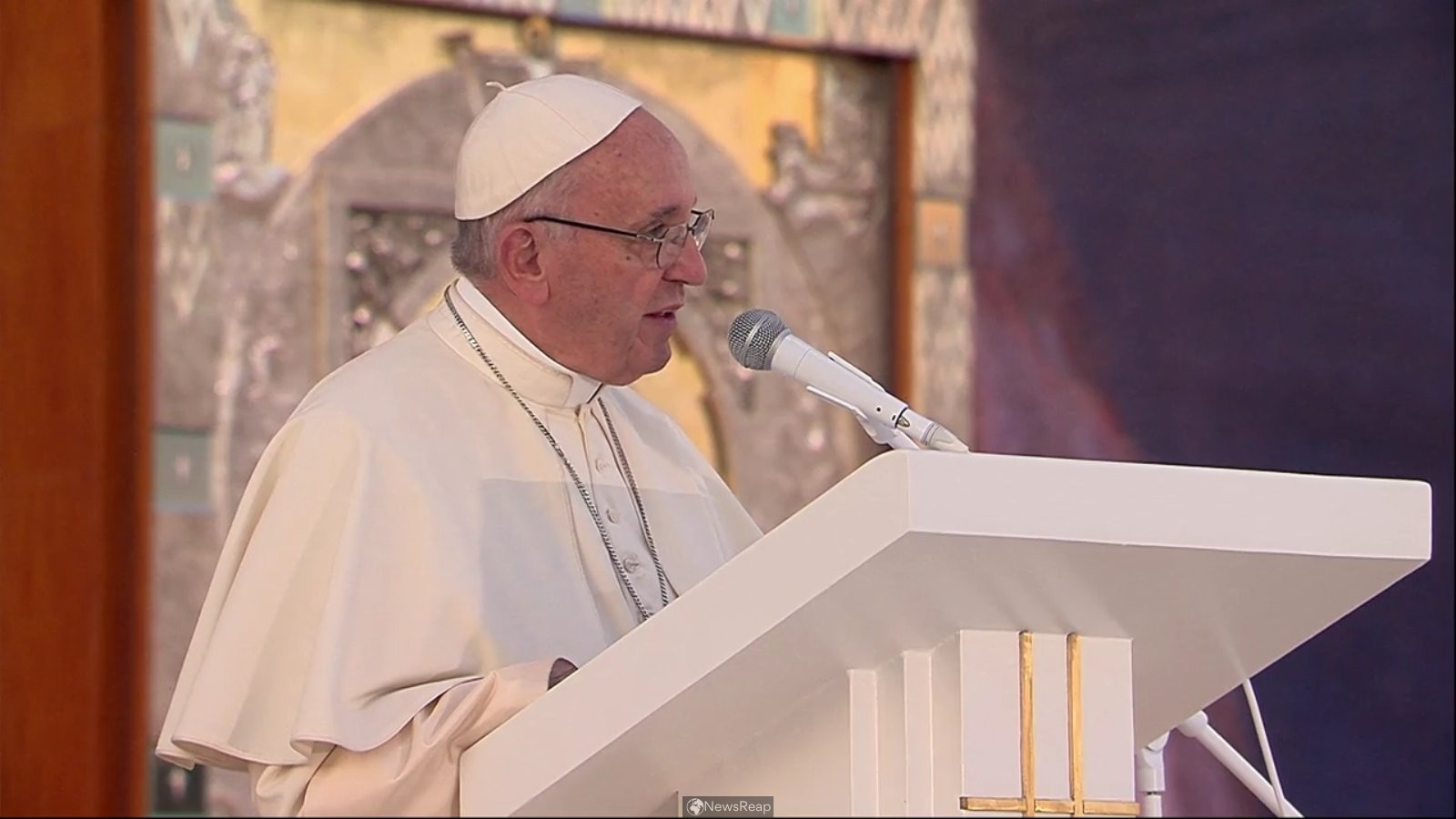 Pope says he is intent on making Iraq trip despite difficulties