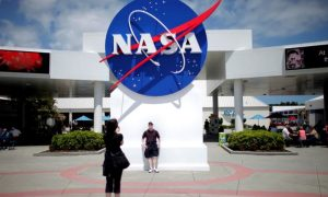 NASA rules, Musk says as SpaceX wins $2.9 billion moon lander contract