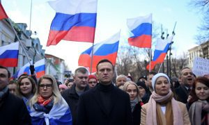 Top Navalny allies arrested as protesters prepare to defy Putin